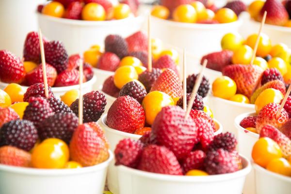Confezionamento in atmosfera protettiva di frutta tagliata a pezzi